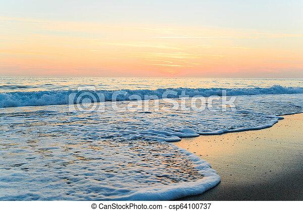 όμορφος , ηλιοβασίλεμα , sea. - csp64100737