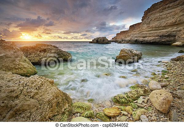 όμορφος , ηλιοβασίλεμα , seascape., sea. - csp62944052
