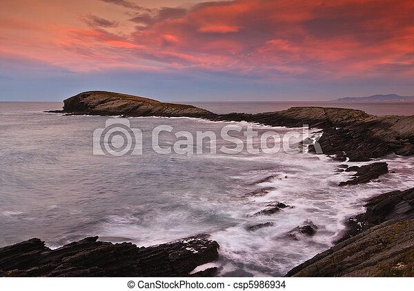 όμορφος , θαλασσογραφία , ηλιοβασίλεμα  - csp5986934