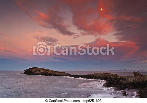 όμορφος , θαλασσογραφία , ηλιοβασίλεμα  - csp6251693