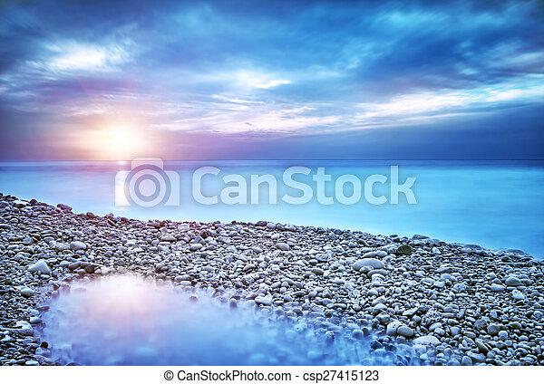 όμορφος , θαλασσογραφία  - csp27415123