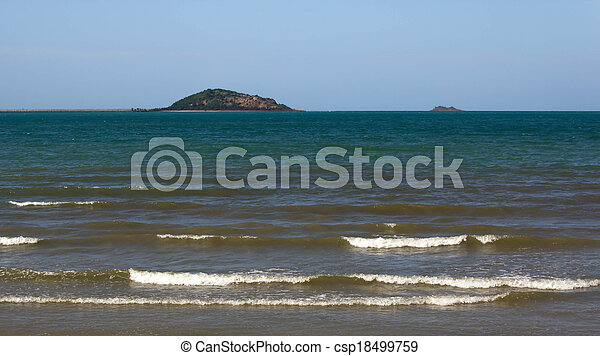 όμορφος , παραλία  - csp18499759