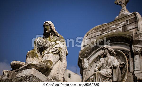 ангел, держа, статуя, человек - csp35052785