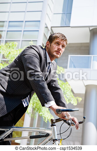 бизнесмен, велосипед, кавказец, верховая езда - csp1534539