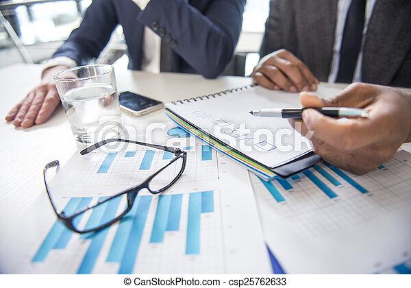 бизнес - csp25762633