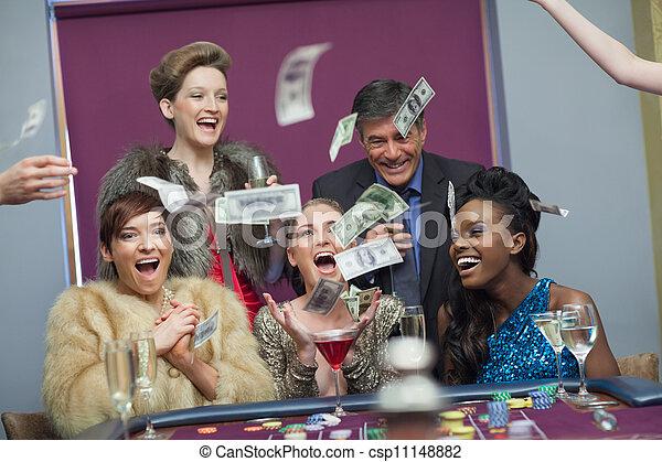 бросание, деньги, казино, люди - csp11148882
