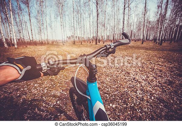 велосипедист, велосипед - csp36045199
