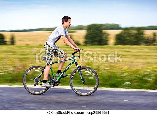 верховая езда, велосипед, подросток - csp29868951