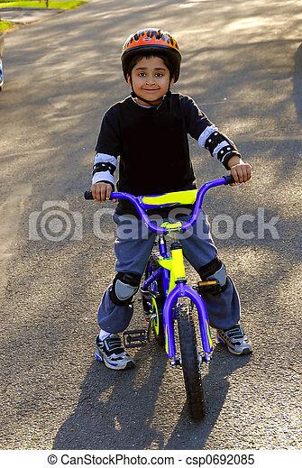 верховая езда, велосипед - csp0692085