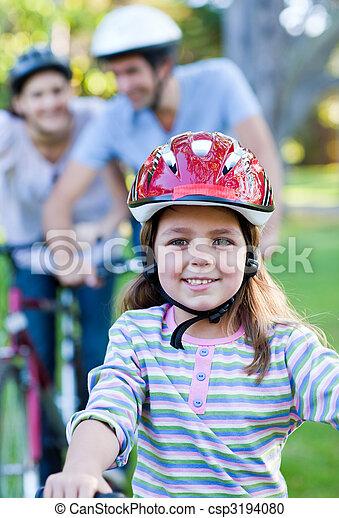 верховая езда, немного, велосипед, улыбается, девушка - csp3194080