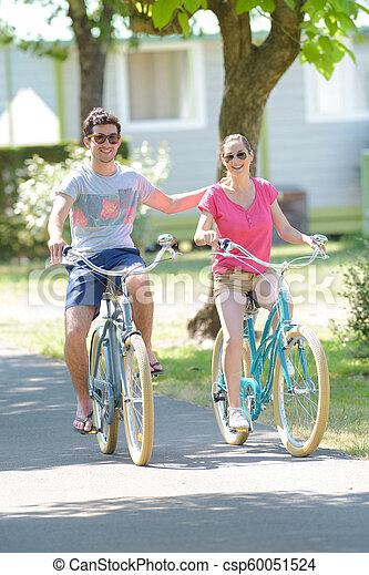 верховая езда, пара, велосипед - csp60051524