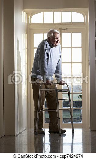 гулять пешком, рамка, пожилой, с помощью, старшая, человек - csp7424274