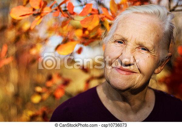 женщина, пожилой, осень - csp10736073