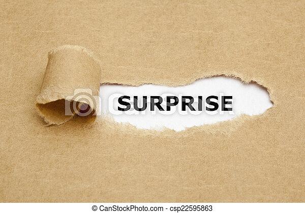 концепция, сюрприз, порванный, бумага - csp22595863