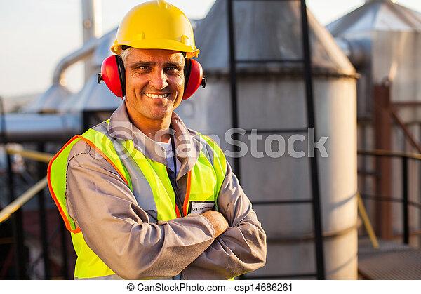 масло, промышленность, работник, химическая, средний, aged - csp14686261