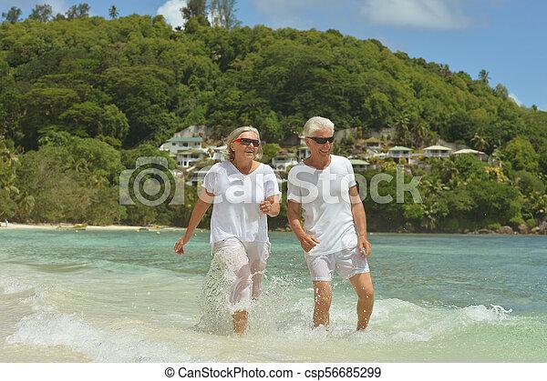 пара, гулять пешком, пожилой - csp56685299