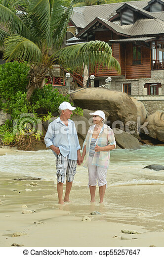 пара, гулять пешком, пожилой - csp55257647