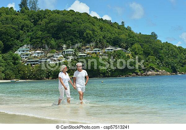 пара, гулять пешком, пожилой - csp57513241