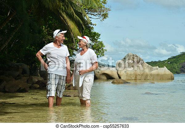 пара, гулять пешком, пожилой - csp55257633