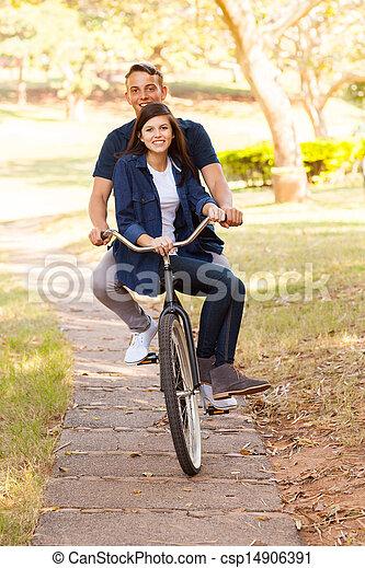 подросток, верховая езда, пара, велосипед - csp14906391