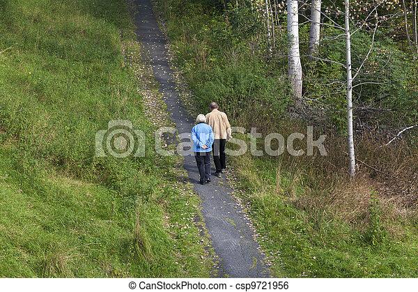 пожилой, гулять пешком, пара - csp9721956