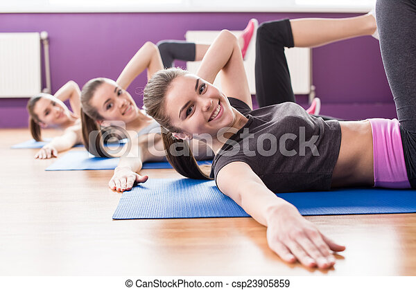 фитнес - csp23905859