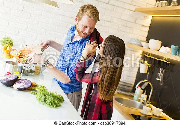 אוכל בריא, קשר, להתכונן, לאהוב - csp36917394