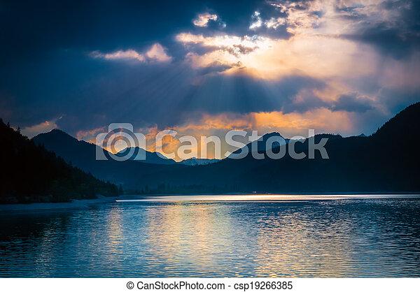בהק, עננים, מצב רוח, מיסטיקן, קרנות שמש, אגם, דרך, אוסטרי, איפה - csp19266385