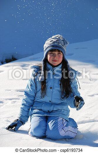 השלג, ילדה, לשבת - csp6193734