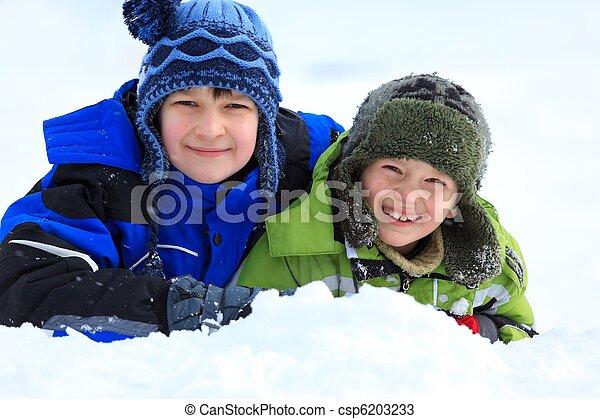 השלג, ילדים משחקים - csp6203233