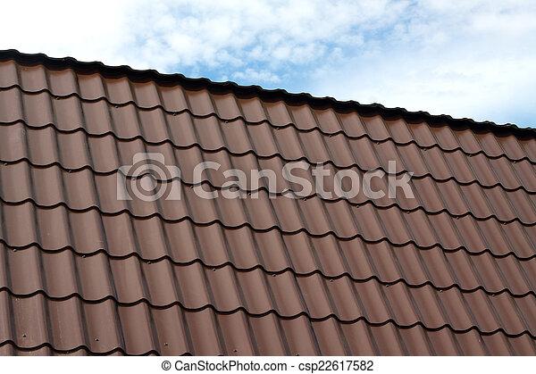 חום כ ל דיר מתכת קרמיד כחול חום עננים דיר מתכת גג הפרד צילום מקרוב מתחת רעף לבן ארץ שמיים Canstock