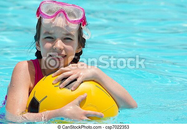 ילדה, צעיר, צרף, לשחק - csp7022353
