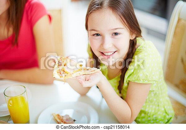 לאכול פיצה - csp21158014