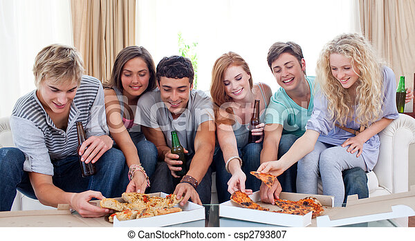 מתבגרים, לאכול פיצה, בית - csp2793807