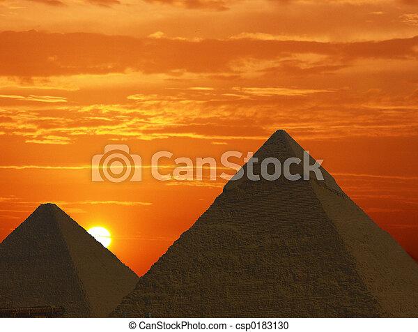 עלית שמש, פירמידות - csp0183130
