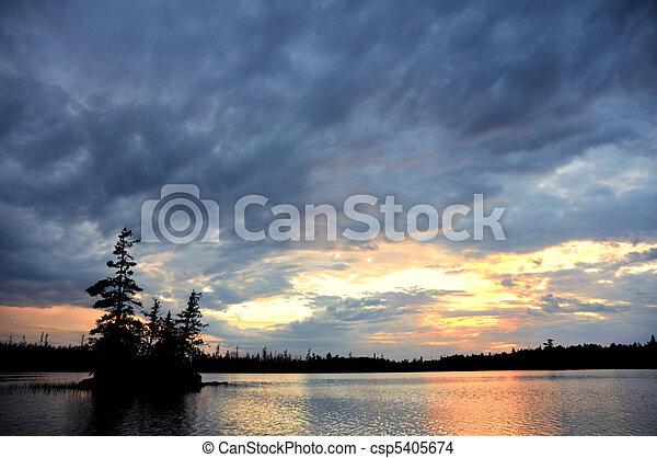 רחוק, מידבר, של נוף, שמיים, אגם, דרמטי, אי - csp5405674