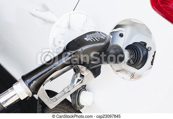 ある, 自動車, ガソリン, 補充された - csp23097845