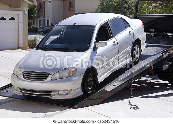 ある, 自動車, 離れて, けん引された - csp2434516