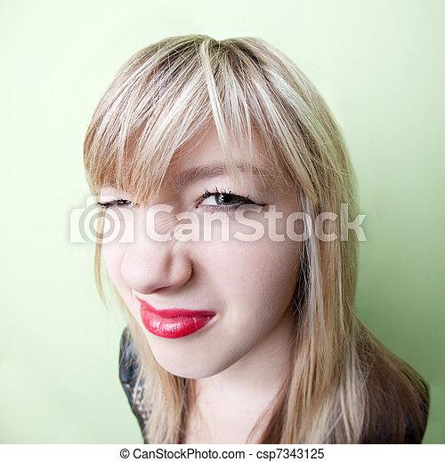 しわを寄せられた, 女の子, 鼻 - csp7343125