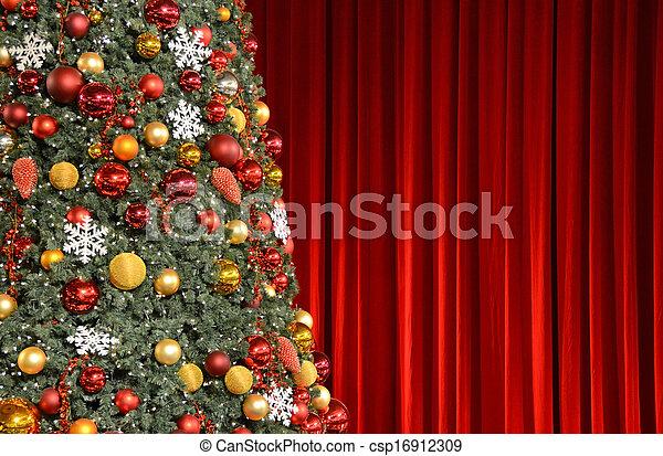 に対して, 木, クリスマス, ひだのある布, 赤 - csp16912309