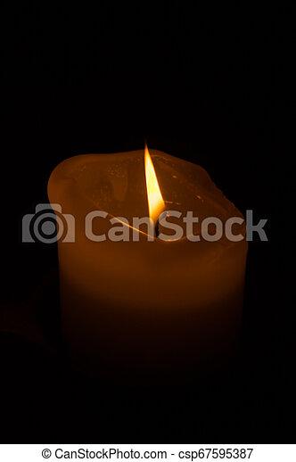 ろうそく, 白熱, 炎, 燃焼, dark. - csp67595387