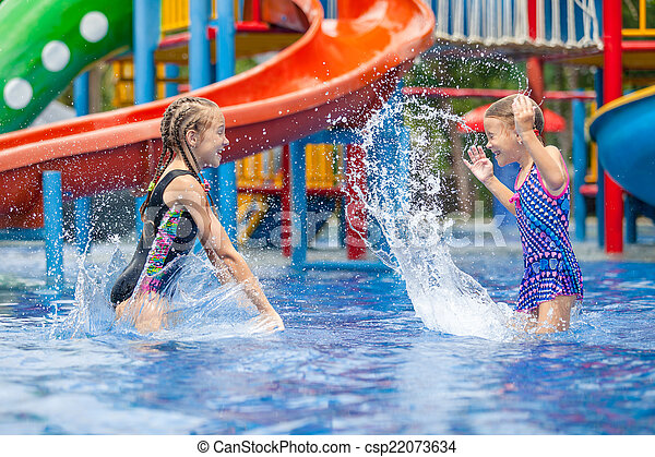 わずかしか, 子供, 2, プールを すること, 水泳 - csp22073634