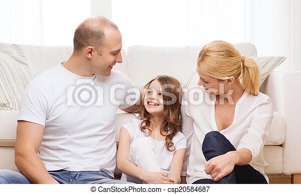 わずかしか, 床, モデル, 親, 家, 女の子 - csp20584687