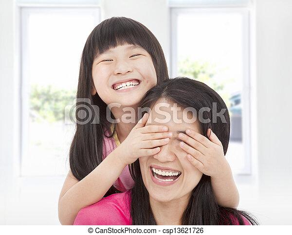 わずかしか, 彼女, カバー, 目, 母, 楽しみ, 女の子, 幸せ - csp13621726