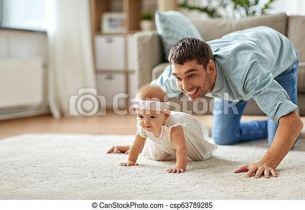 わずかしか, 父, 赤ん坊, 家, 女の子, 幸せ - csp63789285