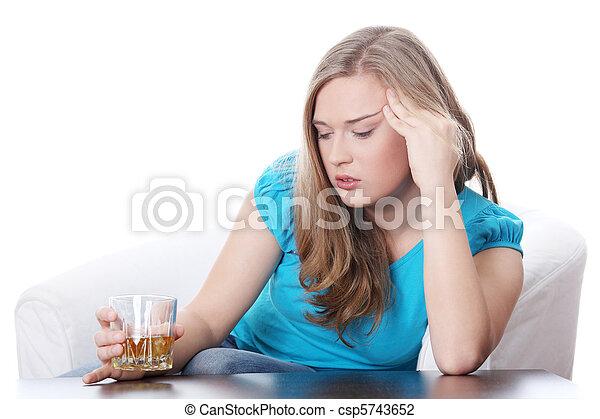 アルコール中毒 - csp5743652
