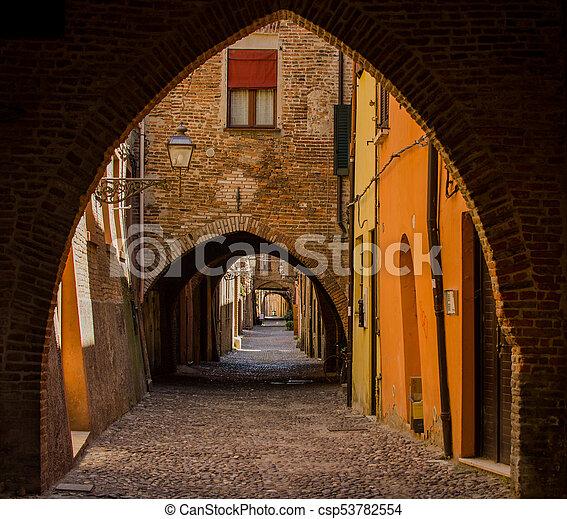 アーチ, 通り, ferrara, 中世, 絵のよう - csp53782554