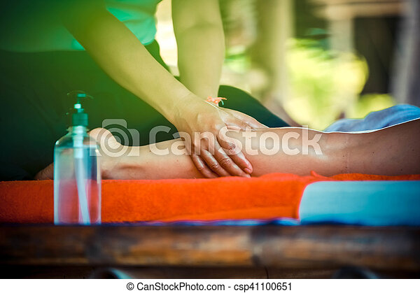オイル, 庭, 足, 健康, wellness, の上, 手, トロピカル, 背景, エステ, 終わり, マッサージ - csp41100651