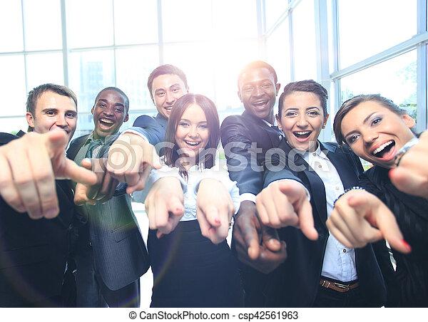 オフィス, ビジネス, の上, 多民族, 親指, チーム, 幸せ - csp42561963