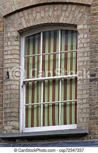 カーテン, しまのある, 窓 - csp72347337